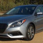 Comfort Food: Hyundai Sonata Hybrid is Rich on Extras, Lean on Fat
