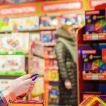 Ask Me Anything: Toys R Us Gift Card, Percale Sheets and Best Upright Vacuum