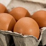 How to Track Investments, Rescue Shoes, Hack a Care Label and Know Your Eggs