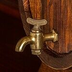 Make Old Tarnished Brass Bathroom Fixtures Look Like New